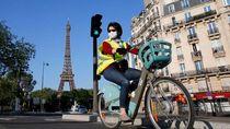 New Normal di Eropa: Meja Restoran Dibatasi Plastik, Wajib Pakai Sarung Tangan