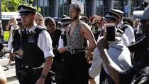 Kerumunan Aksi Solidaritas Kematian George Floyd di Inggris