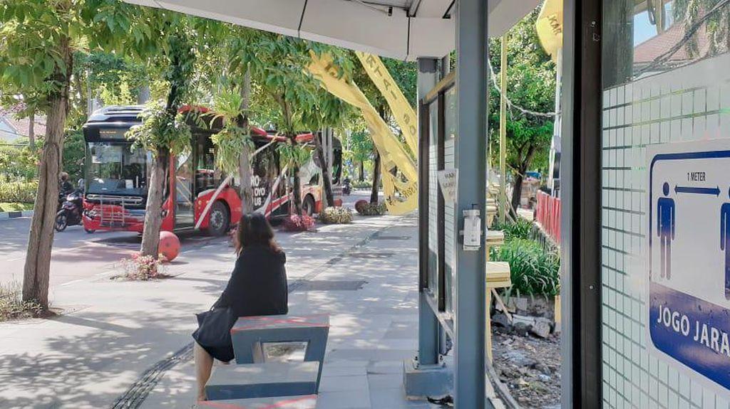 Kawasan Zona Merah dan Perbatasan Kota Surabaya Dipasang Rambu Wajib Bermasker