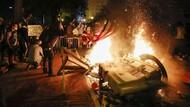 Massa Protes Dekat Gedung Putih  Dibubarkan Paksa