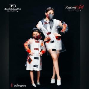 Gemas, Aksi Bilqis Jadi Model JPD Anne Avantie Bareng Ayu Ting Ting