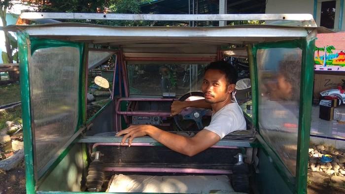 Pria Lulusan SMP di Jember Berhasil Bikin Mobil Listrik