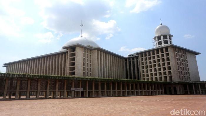 Renovasi Masjid Istiqlal terus dikebut pengerjaannya. Masjid itu diketahui jadi salah satu sarana ibadah yang dipersiapkan terapkan standar new normal.