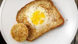 Resep Roti Isi Telur yang Lumer Gurih Buat Sarapan