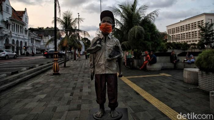 Penerapan new normal segera diberlakukan di Jakarta. Kawasan wisata Kota Tua pun tengah bersiap. Yuk, intip foto-fotonya.
