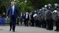 Demonstran George Floyd Ditembaki Gas Air Mata, Hillary Clinton Kritik Trump