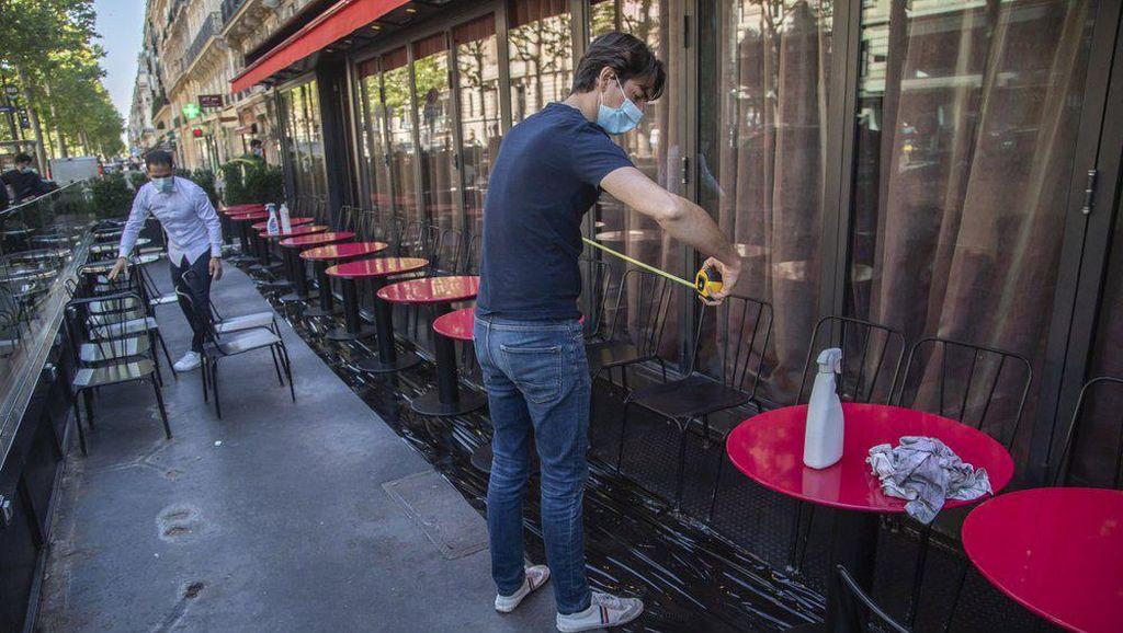 Paris Mulai Buka Kembali Beberapa Kafe, Tapi Hanya Area Luar