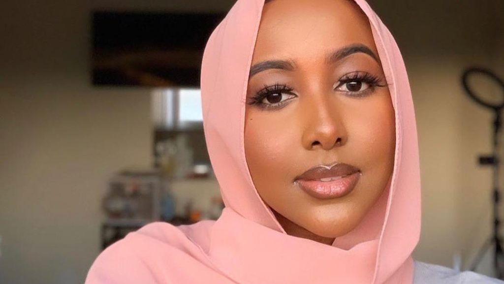 Desainer Sumbangkan Jilbab Khusus untuk Tenaga Medis Corona yang Berhijab