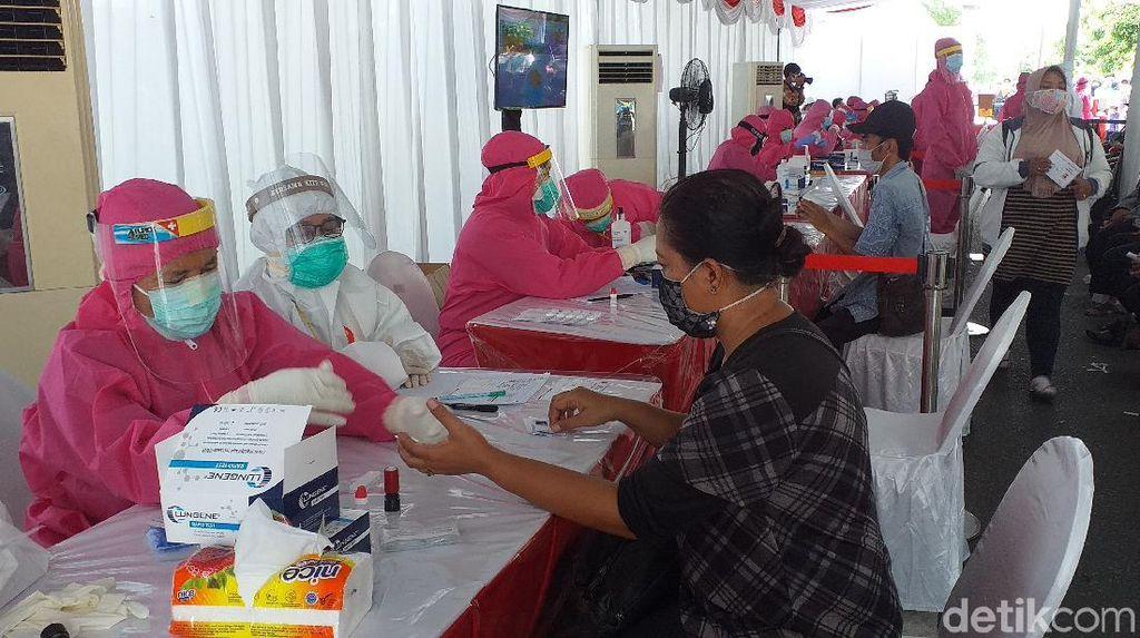 Reaktif Saat Rapid Test, 95 dari 468 Warga Surabaya Langsung Tes Swab