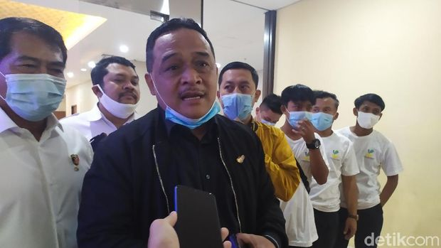 Kepala Badan Perlindungan Pekerja Migran Indonesia (BP2MI) Benny Rhamdani menyambagi Bareskrim Polri (Luqman Nurhadi Arunata/detikcom)