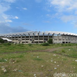 Stadion Barombong: Jadi Tempat Sapi Makan dan Lokasi Pacaran