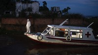 Ambulans Terapung Wara-wiri Angkut Pasien Corona di Amazon