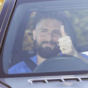 Giroud Bertahan di Chelsea karena Kuasa Tuhan