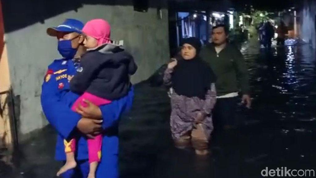 Banjir Rob di Kota Pekalongan, Warga Dievakuasi
