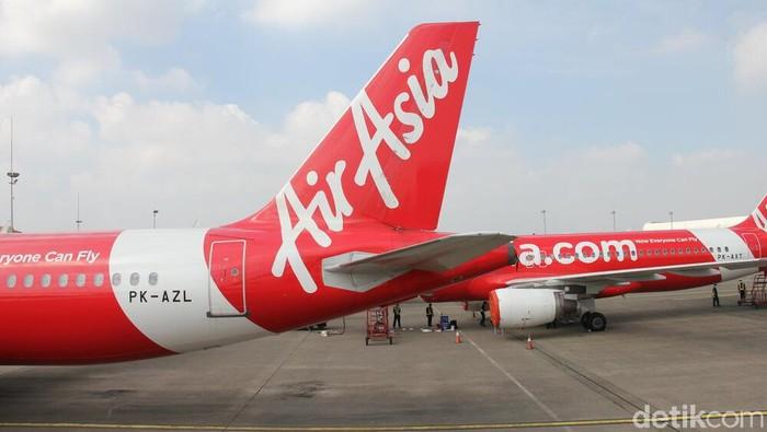 Sejak akhir Maret, sebagian besar armada AirAsia Group yang berjumlah 282 pesawat telah terparkir di beberapa bandara di Asia. Di antara jumlah tersebut terdapat 28 unit pesawat yang terparkir di 4 lokasi di Indonesia sejak 1 April 2020 yaitu Jakarta, Denpasar, Medan, dan Surabaya.