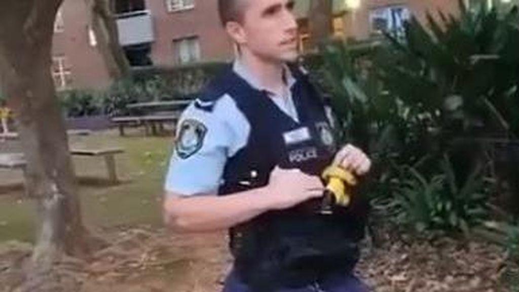 Polisi New South Wales Selidiki Anggotanya yang Menendang Remaja Aborigin