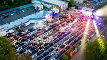 Berpesta Saat New Normal di Jerman: Berdisko di Dalam Mobil