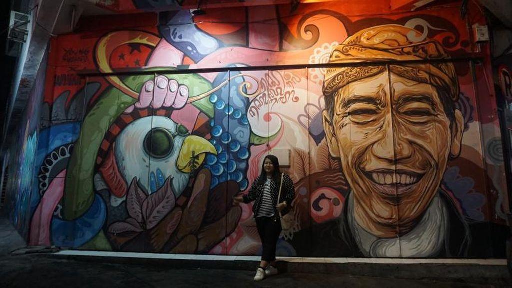Mural di Solo Hanya Bisa Dilihat di Malam Hari