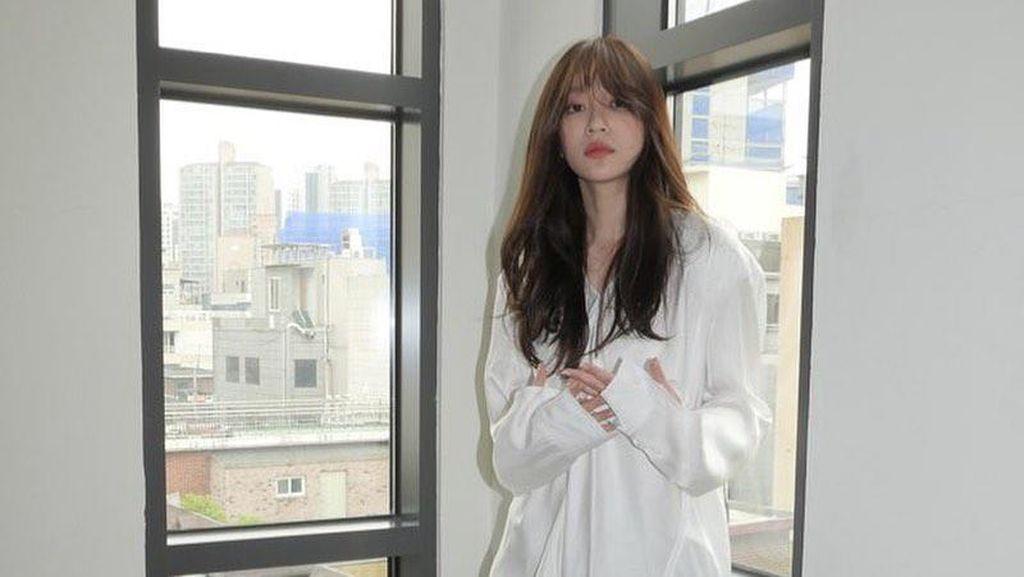 Posting Foto Terlihat Kurus, Idol K-pop Ini Bikin Fans Khawatir