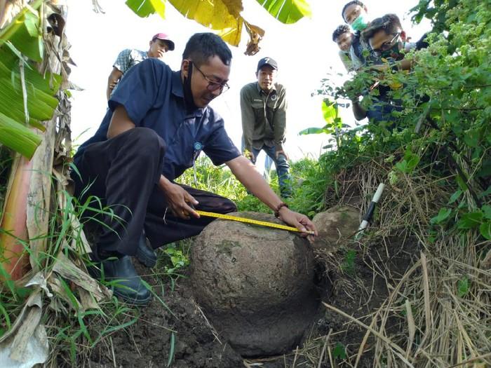 Petani di Mojokerto Temukan Stupa Candi Budha Warisan Penguasa Era Majapahit Akhir