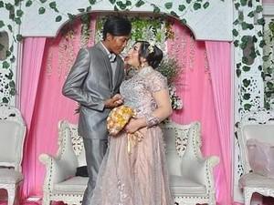 Viral Kisah Cinta Manis Bule Cantik Dinikahi Petugas Kebersihan DKI Jakarta