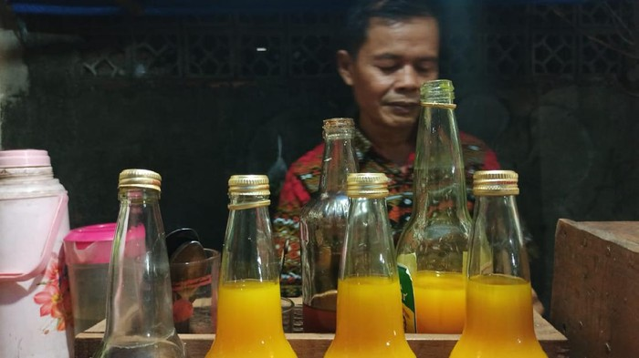 Pedagang Jamu di Tengah Corona