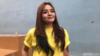 Dear Netizen, Gita Sinaga Minta Tak Usah Sibuk Urusi Agamanya
