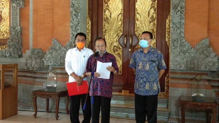 Gubernur Bali I Wayan Koster saat konpers