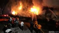 Gudang Ban Bekas di Kudus Terbakar