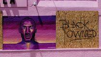 Jauh dari Vandal, Mural Kobe Bryant Tak Tersentuh Pendemo George Floyd