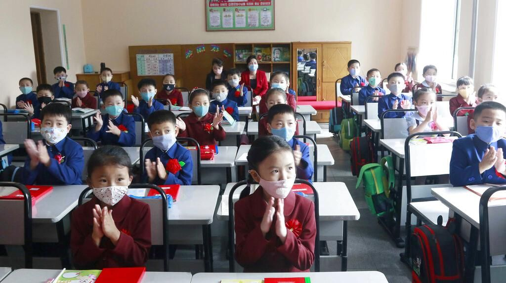 Pembatasan Sosial Dilonggarkan, Sekolah di Korut Dibuka Lagi