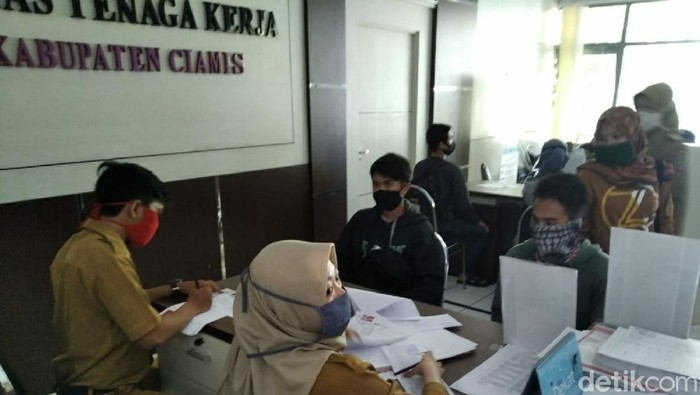 Pemohon kartu pencari kerja di Ciamis tetap tinggi meski di masa pandemi Corona
