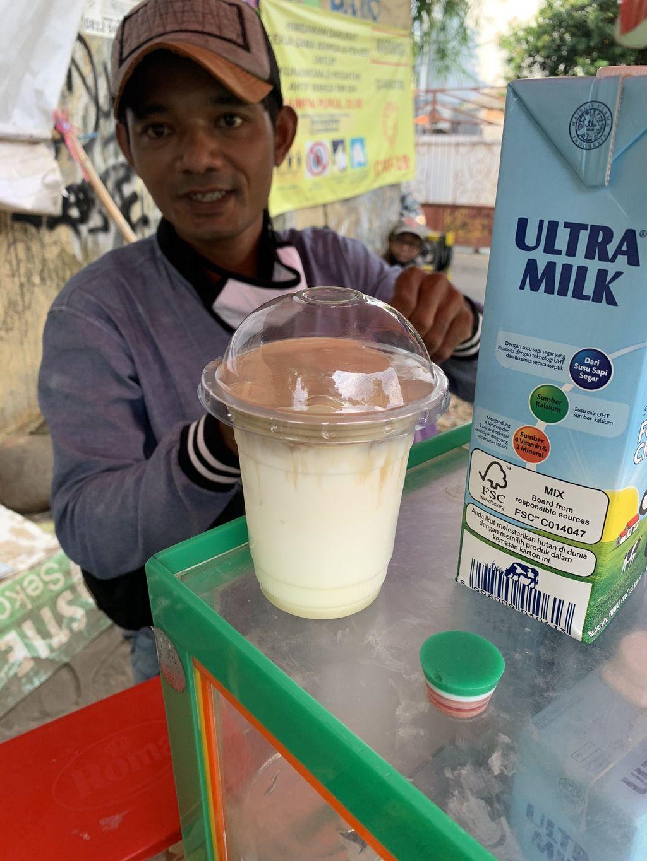 Penjual Dalgona Coffee Rp 5 Ribuan Viral ada di Pamulang