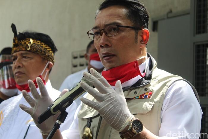 Ridwan Kamil ingatkan Bupati Bandung soal penyebaran Corona di pasar
