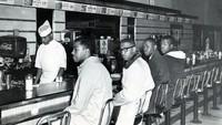 Duduk di Restoran Jadi Aksi Protes Populer Lawan Rasisme di Amerika