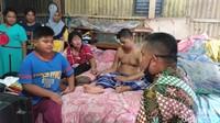 Rawat Ortu Stroke, Bocah Babil: Saya Tak Malu Bersihkan BAB Mereka