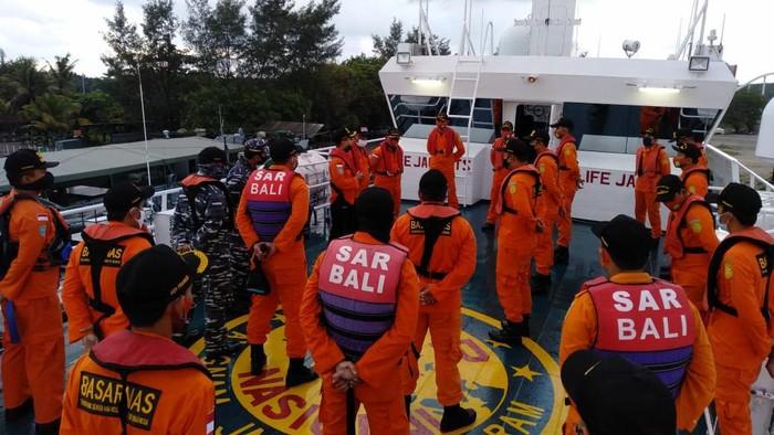 Basarnas Bali mencari kapal kargo yang hilang kontak.