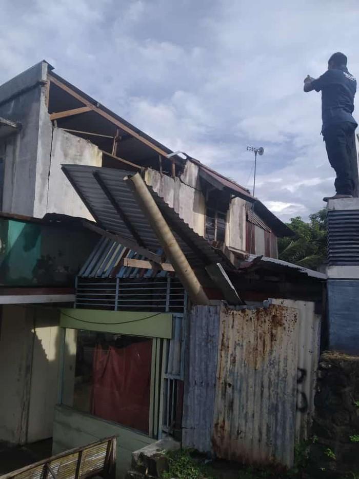 Belasan bangunan rusak akibat gempa di Sabang (dok. BPBD Sabang)