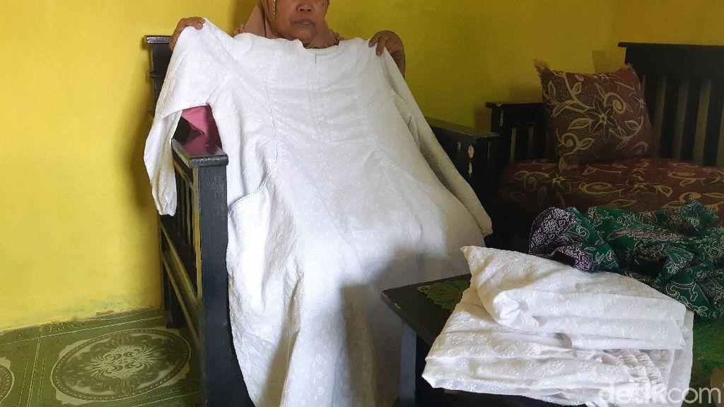 Cerita Janda Tukang Urut di Serang Tunda Impiannya Berhaji Tahun Ini
