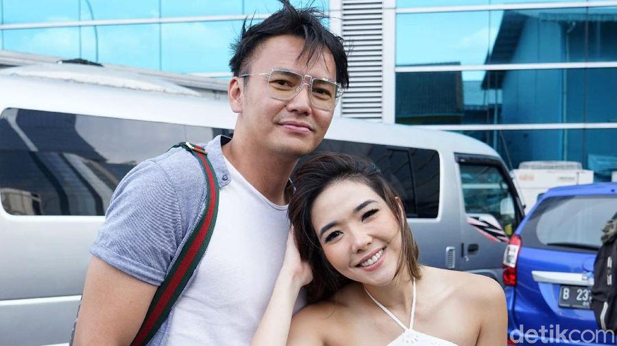 Gisel dan Wijin saat ditemui di kawasan studio Trans TV.