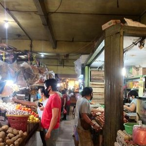 Hari Terakhir PSBB DKI, Protokol Kesehatan di Pasar Kian Ketat