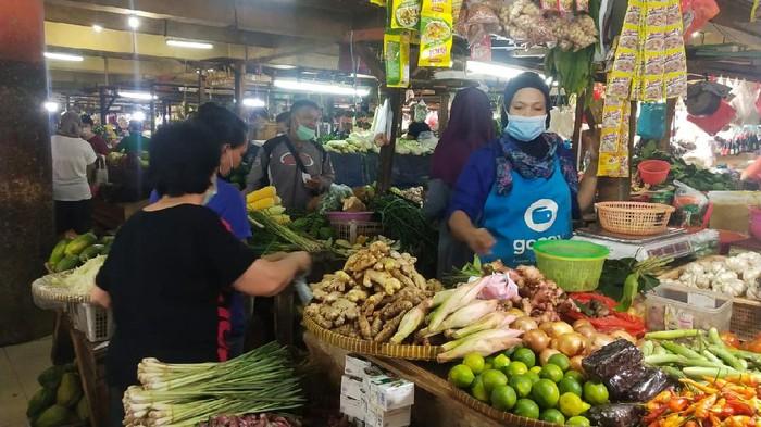 Hari Terakhir PSBB, Protokol Kesehatan di Pasar Makin Diperketat