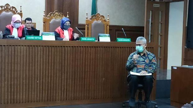 Ketua KPU Arief Budiman bersaksi di sidang kasus suap PAW