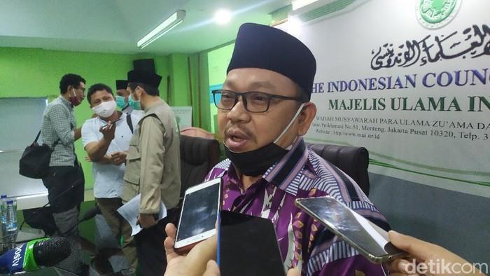 Ketua Umum MUI DKI Munahar Muchtar