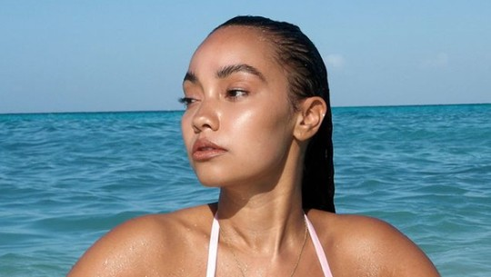 Ini Leigh-Anne, Personel Little Mix yang Dimarahi Ibunya Usai Foto Topless