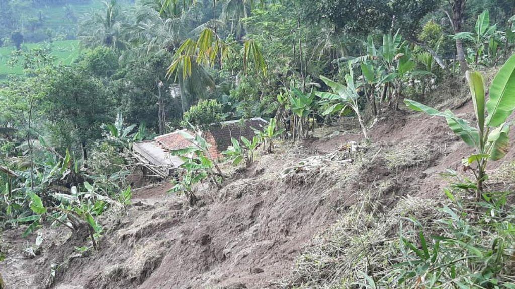 Longsor di Cianjur, 4 Rumah Rusak dan Puluhan Warga Mengungsi