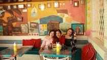 Bergaya di Motel Mexicola Sebelum Ada Corona