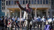 Seniman Buka Suara soal Patung Polisi yang Dirusak Pendemo George Floyd