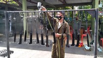 Menengok Perawatan Senjata SS1 Milik TNI di Kulon Progo