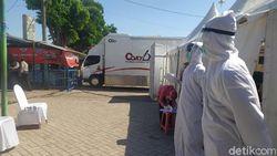 Ratusan Pedagang dan Warga Taman Sidoarjo Tes Swab di Mobil PCR